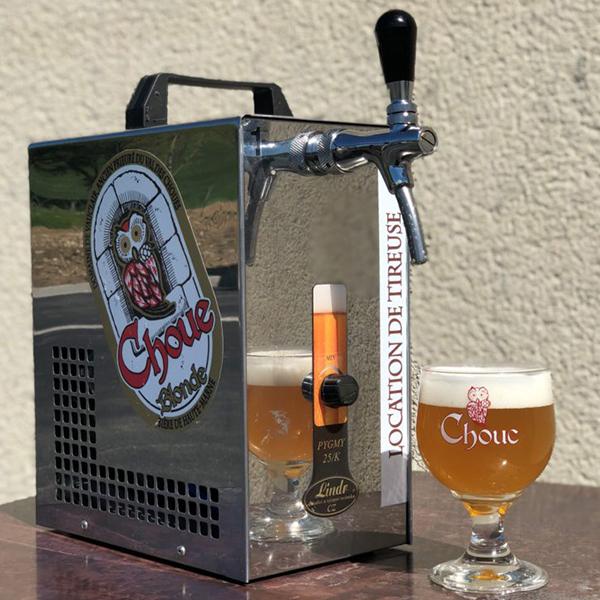 photo tireuses a bière la choue avec verre grave
